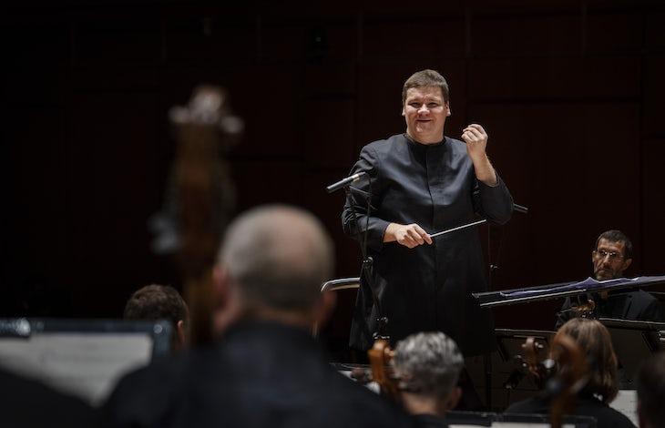 STAVANGER 27.08.2020: Andris Poga med Stavanger Symfoniorkester. SesongŒpning 20/21. Foto: Marie von Krogh